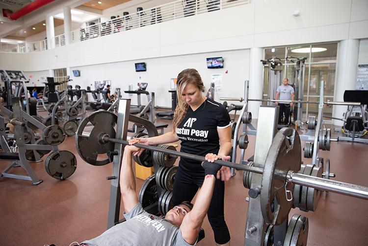 Students work out in Foy Center